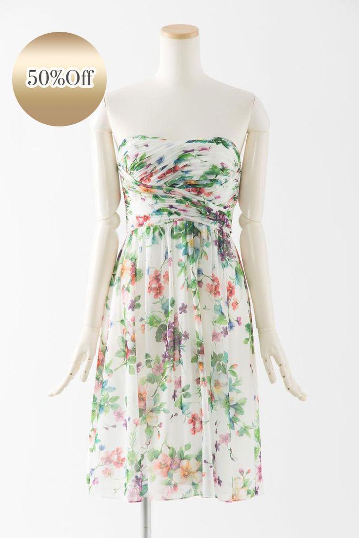 Sale, Instock Bridesmaid Dresses. Ivory, Beige Multi Color Floor Length & Knee Length Satin Dress. #ブライズメイドドレス #ブライズメイド 合計金額 ¥20,000-(税抜)以上で送料無料即日納品 セール商品の返品受付サービス・お直しについて  フラワープリント生地のベアトップデザインの膝丈ドレス アイボリー生地にプリントされたカラフルなお花が可愛く、リゾートウエディングにいかがでしょうか 定価25,500円の50%オフにて限定販売です  販売ドレスカラー: アイボリー(画像色)サイズ0 ドレス実寸サイズ-バスト84cm/ウエスト63cm/ヒップ90cm/着丈(脇から裾まで)75cm  【セールドレス色別タグ】 #アイボリー・ベージュ系  #赤・ピンク系  #ブルー・パープル・グリーン系  #イエロー・コーラル系  #ブラック・ネイビー系