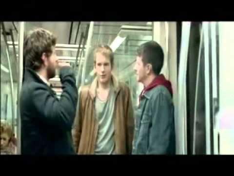 MovieTalk - ve un chico guapo, es sordo, habla a señas, coquetea, se gustan
