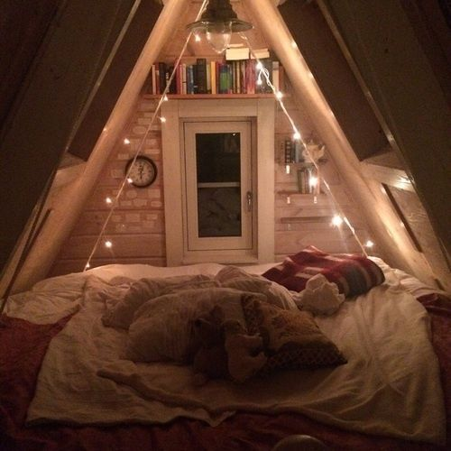 attic bedroom. in search of cozy spaces  Photo 196 best Top Attic Bedrooms images on Pinterest