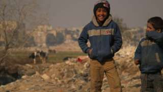 Syria conflict: Internally displaced struggle to survive - BBC News