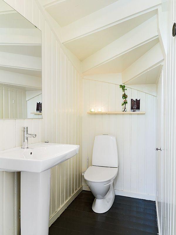 Bildresultat för badrum under trappa