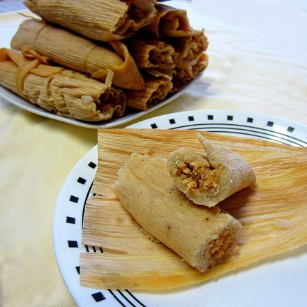 TOMALES!! CHICKEN TOMALES! *Wrap * 18 corn husks *Filling* 3 1/2 c boiled and shredded chicken 1/3 onion (finely chopped) *Filling Sauce* 1 1/3 c water (from boiling the chicken) 1 tsp chicken bouillon 1 tsp lime juice 4 tbsp Taco seasoning 1 1/2 tbsp corn starch 1 tbsp cold water *Dough* 4 c masa (no salt added) 6 tsp canola oil 4 c hot water 3 tsp salt 1 tsp garlic powder 1 tsp black pepper