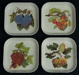 Portmeirion Melamine Snack Trays -- Pomona pattern, Set of 4, small size, made in Italy.