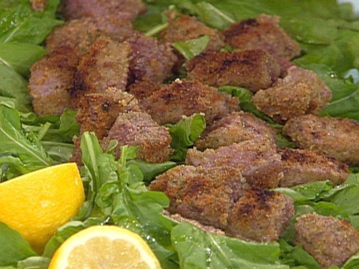 Beef Tenderloin Bites on a Bed of Arugula recipe from Rachael Ray via Food Network