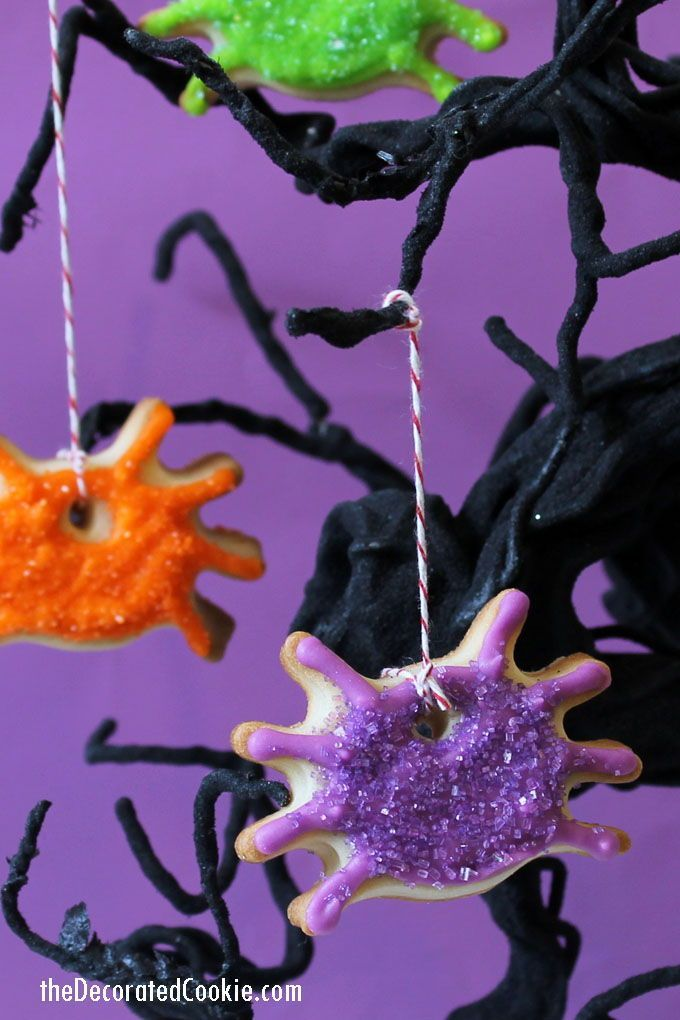 spider ornament cookies, a fun and sparkly cookie idea for Halloween