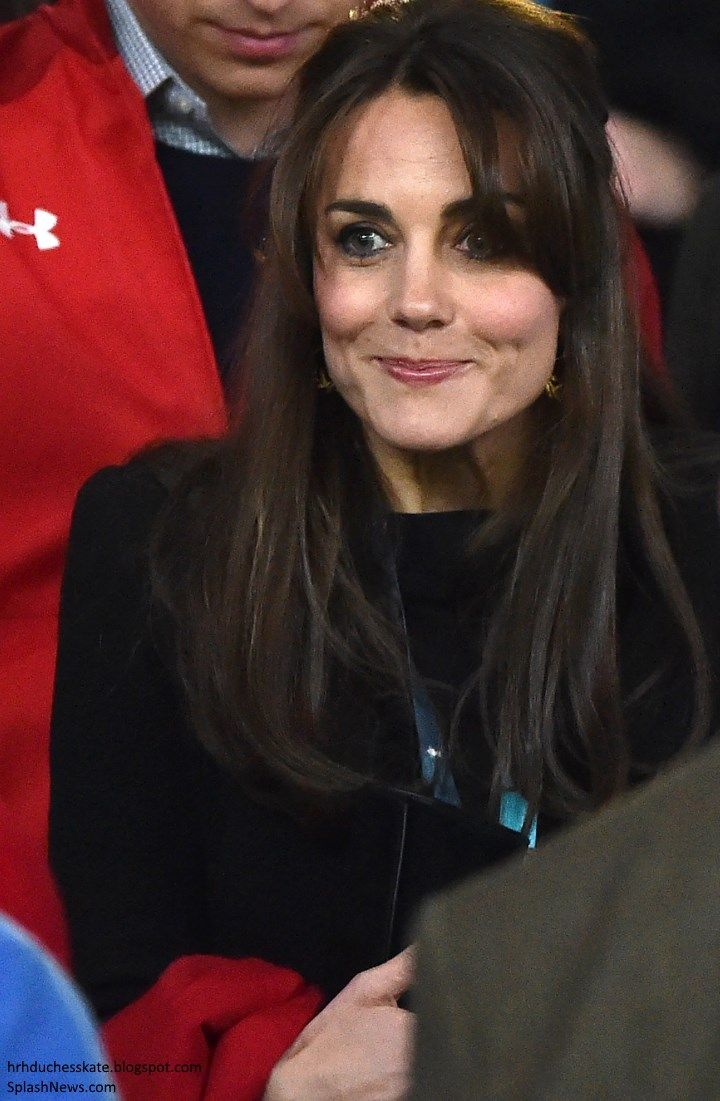 Duchess Kate: UPDATED: Kate Surprises in Print Trousers for England v Wales Match