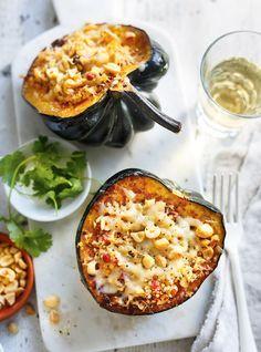 Courge farcie au quinoa et au cheddar d'ici (cheddar à remplacer pour rendre végétalienne...)
