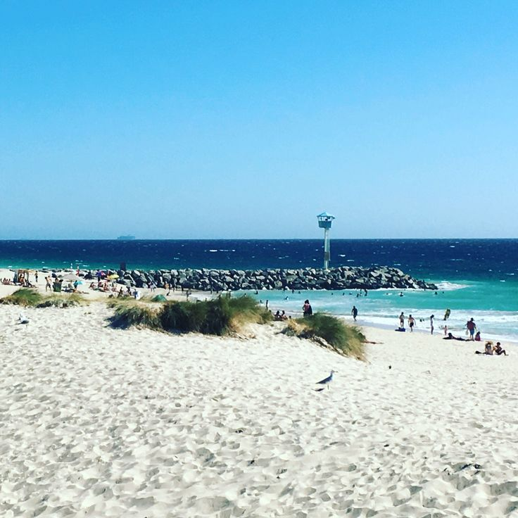 City Beach is great for young families! ⛱ There is a playground in close proximity to great restaurants!