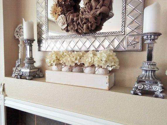 Decoración de mesa de casa de campo, pieza central del tarro de masón, pinta 5 tarro de masón plantador blanco caja, centro de mesa Floral, decoración de la casa de campo, país decoración