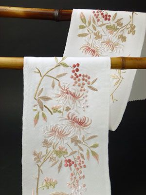 菊花南天の手刺繍半衿