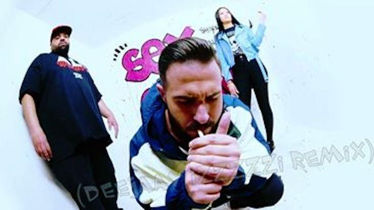 """Ali Bumaye - Sex ohne Grund feat. Shindy (DeeJaaY IzzZzzI ReMiX)  Dieses mal haben wir für euch etwas ganz neues! DJ IzzZzzI hat sich heute mal an etwas neues ganz besonderes ausgedacht - aber seht selbst! Der DJ Newvcomer hat sich dieses mal an einen Deutschen Track gewagt. Er hat sich den Track """"Ali Bumaye - Sex ohne Grund feat. Shindy"""" genommen und diesen  #AliBumaye #Deutsch #IzzZzzI #Rap #SexOhneGrund #Shindy #Musik #Hiphop #House #Webradio #Breakzfm"""