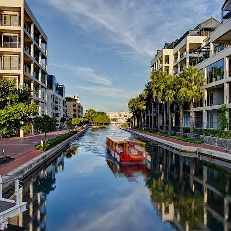 You also have a great choice of several other holiday apartments in the V&A Waterfront area.