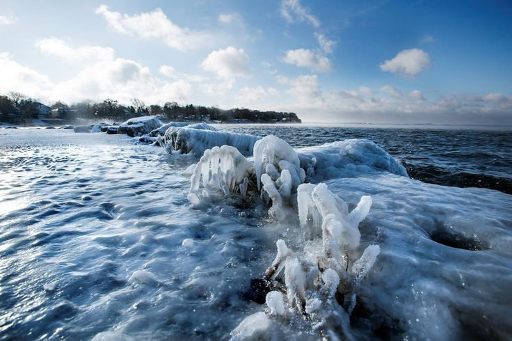 Cold and snow roll across the country