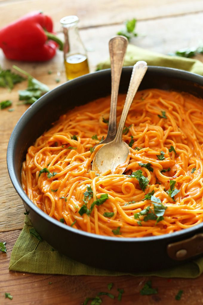 SUPER Creamy Savory Roasted Red Pepper Pasta | #Vegan #GlutenFree and LOADED with nutrients from garlic, red pepper and olive oil