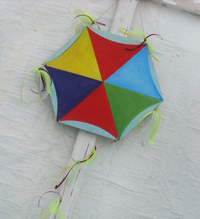 Flying Kite - Home Decor - Wall Hanging by allabouthandicraft on Etsy