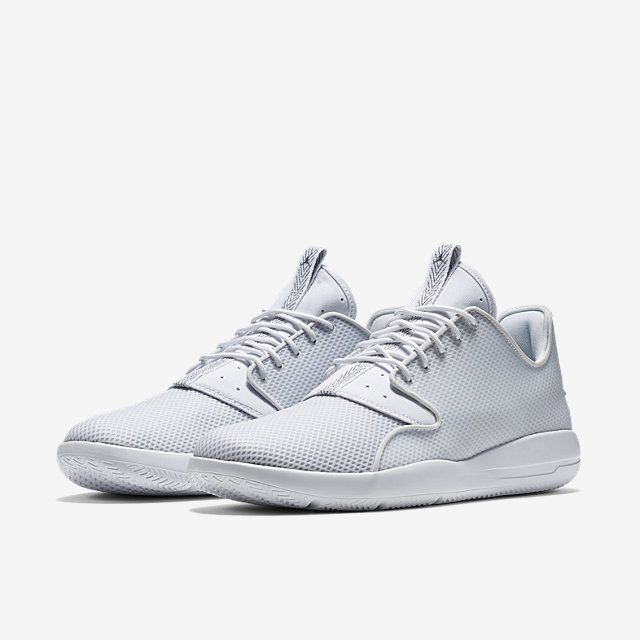 white jordan tennis shoes