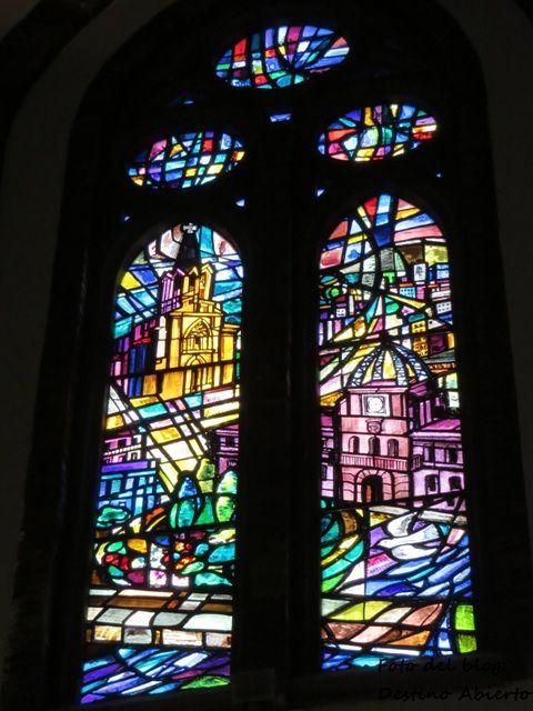 Vidriera de la Iglesia Mayor de Santa Coloma