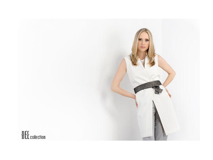 Długa, kremowa kamizelka. Long, creamy color vest. http://www.bee.com.pl/e-sklep/