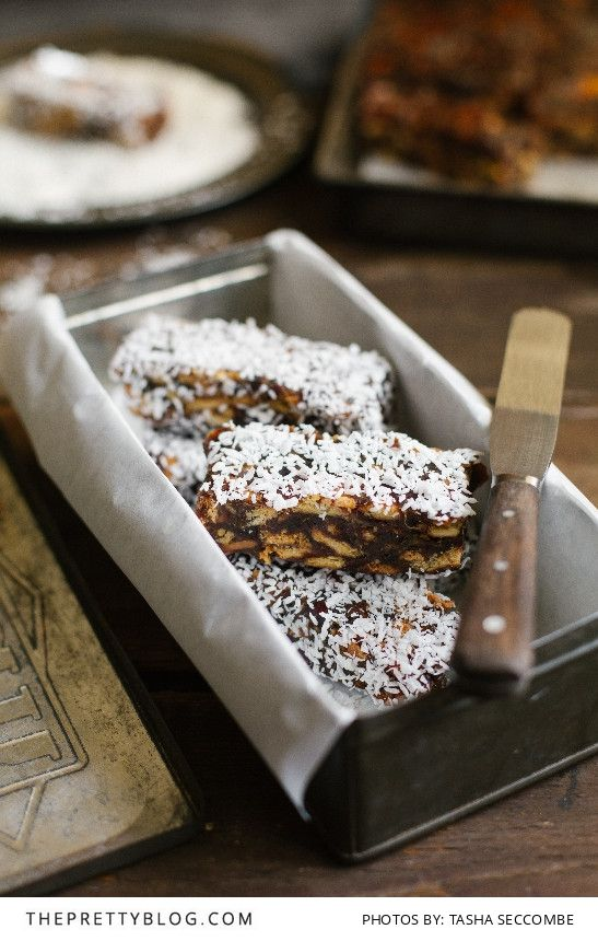 No-Bake Date Fingers | Recipes | The Pretty Blog