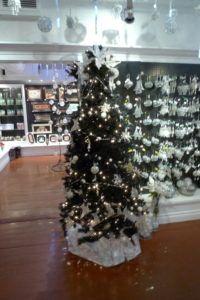 p1020083 - Christmas Shops around the World