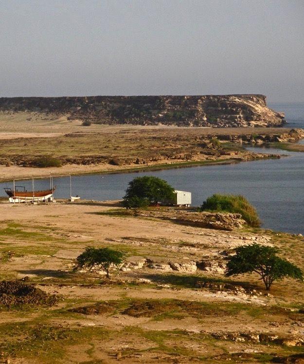 Détour par Khor Rori près de Salalah. L'une des plus belles baies du sud d'Oman...  http://www.petits-voyageurs.fr/visiter-le-dhofar-en-3-jours/