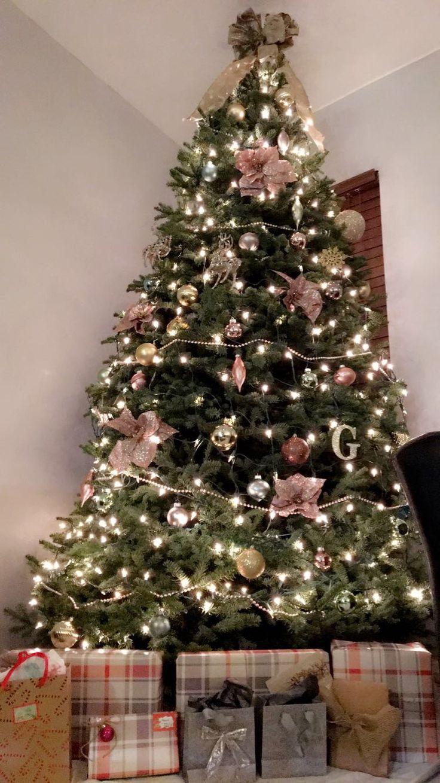 1000 Ideas About Victorian Christmas Tree On Pinterest