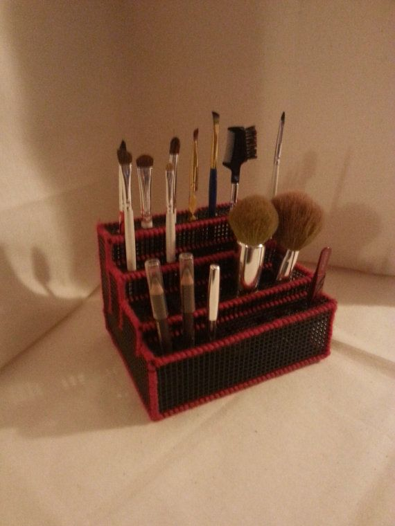 Plastic Canvas Make Up Brush Organizer by ClutterBusters2015