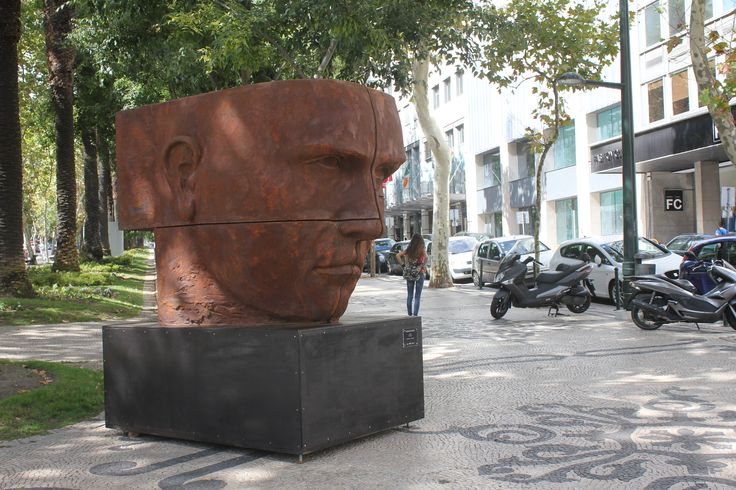 Rosto - Escultura de Rogério Timóteo