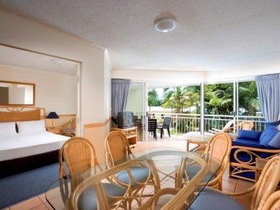 Breakfree Alexandra Beach Living Room