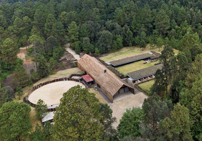 Equestrian Centre Valle De Bravo Mexico Stables