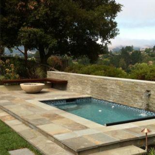 Plunge pool backyard