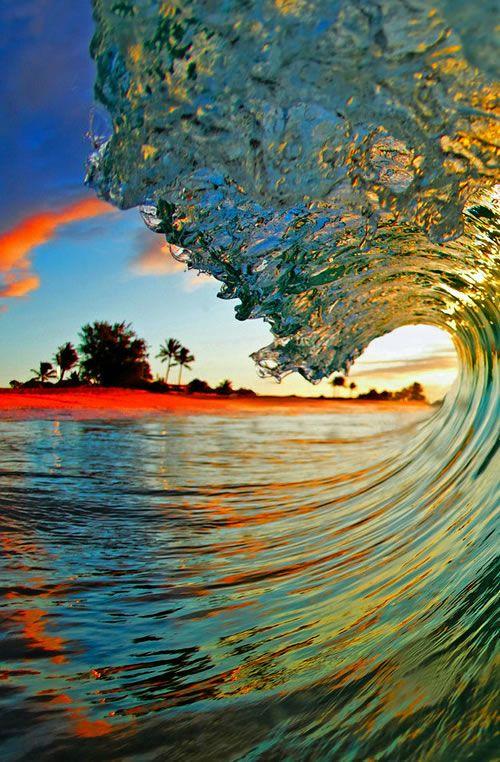 Hawaii wave. Lava Light Galleries, via Neatorama