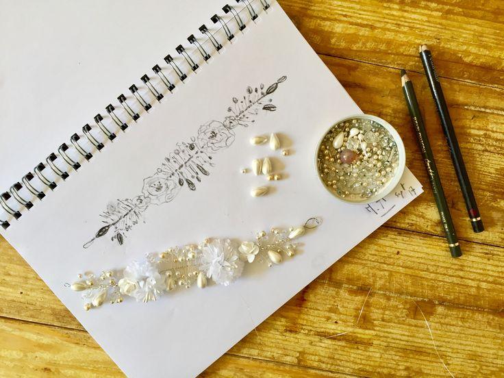 Création d un nouveau peigne de mariage  /  dessin de couronne   / notre atelier genevois  /  www.maisonathenais.com  #maisonathenais#crown#dessin#croquis#couronne#atelier#geneve