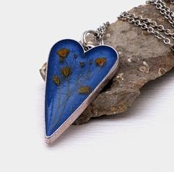 Real flower heart necklace by Andan
