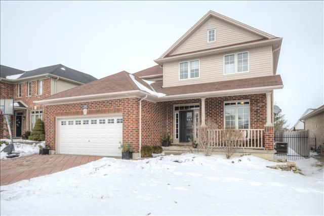 9 Year Old, 4 Bedroom, 2.5 Bathroom, Walking Distance to Jack Chambers P.S.  - $379,900 -   www.ForestCityTeam.com #RealEstate #LdnOnt #Realtor