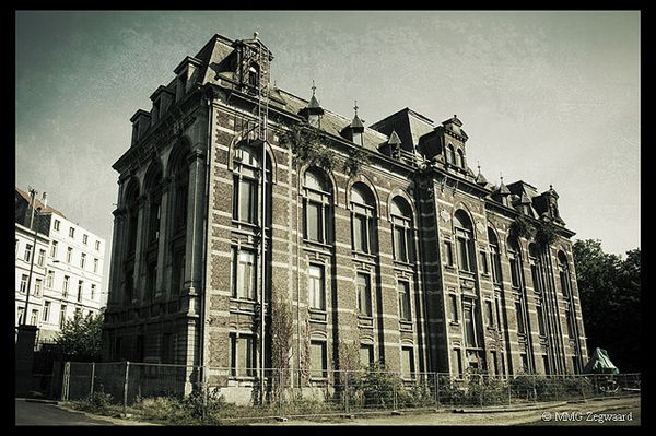An Abandoned Building Is One Thing But What's In This Old Veterinary School Will Haunt Your Dreams. (It really is gross!)