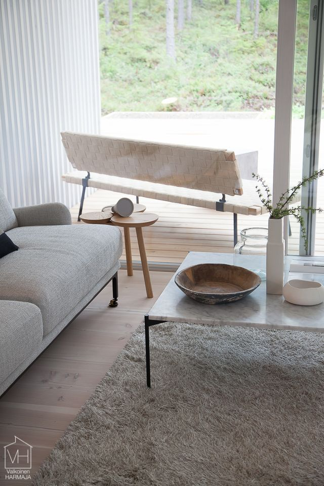 Woodnotes Wild linen wool tufted carpet. Interior design. #olohuone #livingroom #scandinavianstyle #interiordesign #sisustus #naturalmaterials #luonnonmateriaalit
