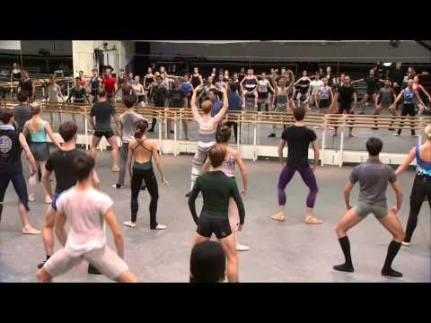 Eat too much turkey? Here's an after Christmas full ballet class for you. And don't forget to participate in the free for all coda at the end of class. :D The Royal Ballet Full Class - World Ballet Day 2014 - YouTube
