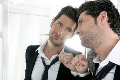 Narcissistic Personality Disorder (NPD). Info on causes, symptoms, gender issues, recognizing NPD, and treatments. (CLUSTER B DISORDER)
