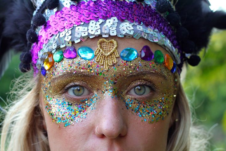 festival, glitter face paint, gold, sequins, colour, festival style, gems, lace bindi
