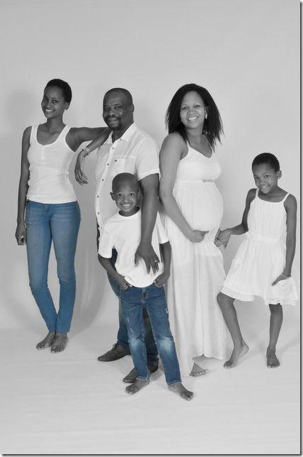 Ocilia and Family in studio by Elim Studio