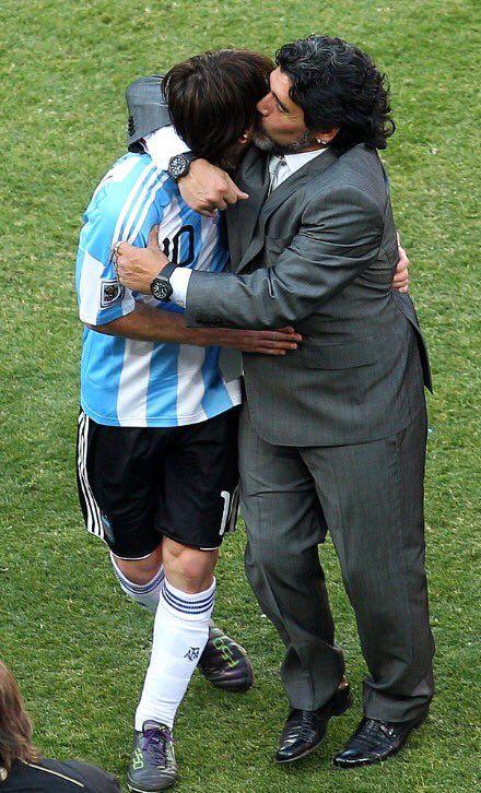 Diego armando Maradona y Leo Messi