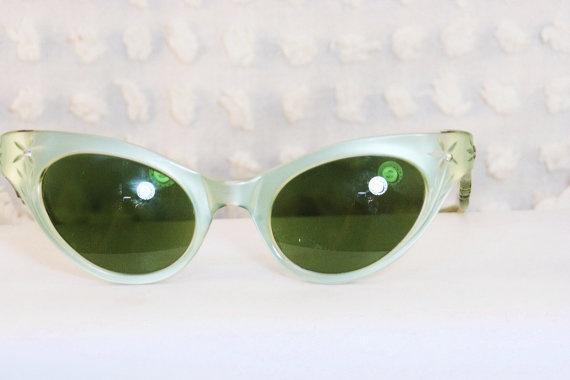 Eyeglass Frames Eugene Oregon : 17 Best images about 1950s women eyeglasses on Pinterest ...