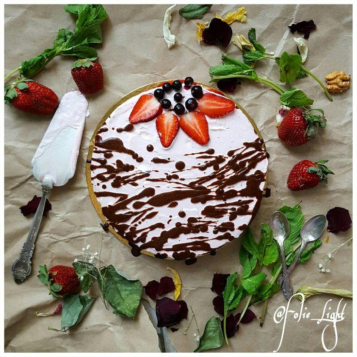 Fitnesscake, low calorie cake, protein cake, low carb, диетический торт, низкокалорийный торт, cake design, stawberry cake, клубничный торт @Folie_Light