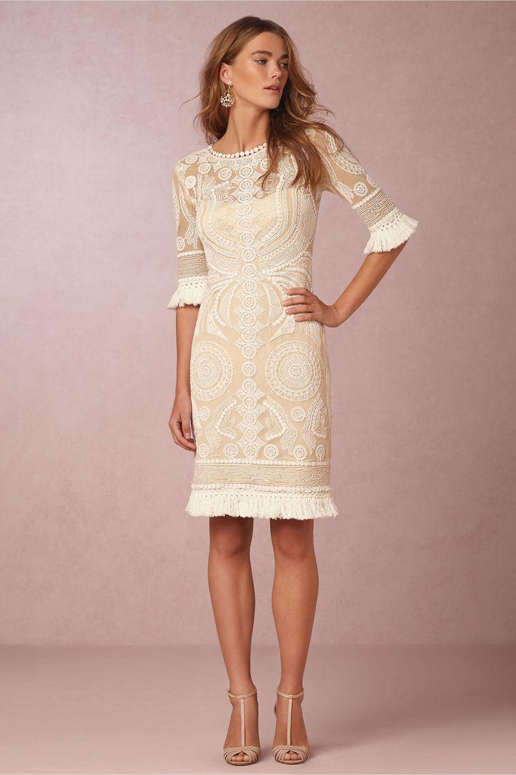 66 best Low-key wedding dresses images on Pinterest | Bridal gowns ...