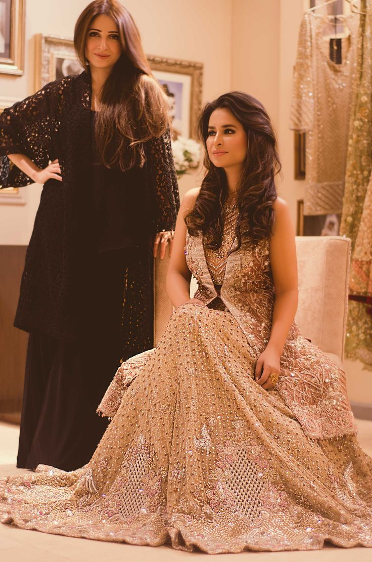 Tena Durrani Pakistan For queries, orders and appointments please email us on info@tenadurrani.com or call/whatsapp us on 0321 232 4600.