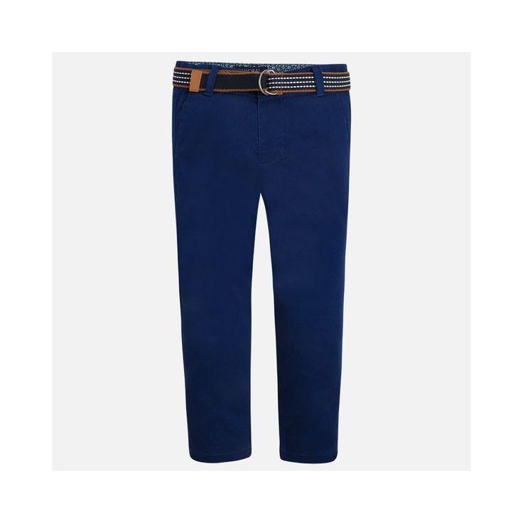 Cobalt blauw broekje met gevlochten riem van het Spaanse merk Mayoral.