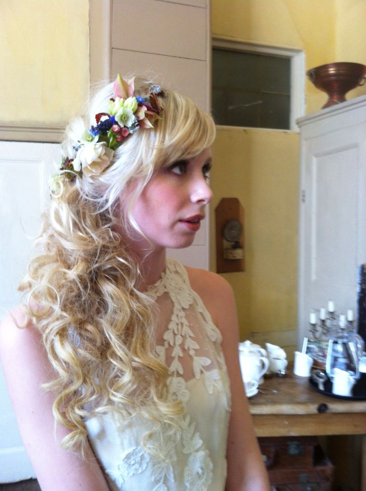 Tumbling curls and fresh flowers