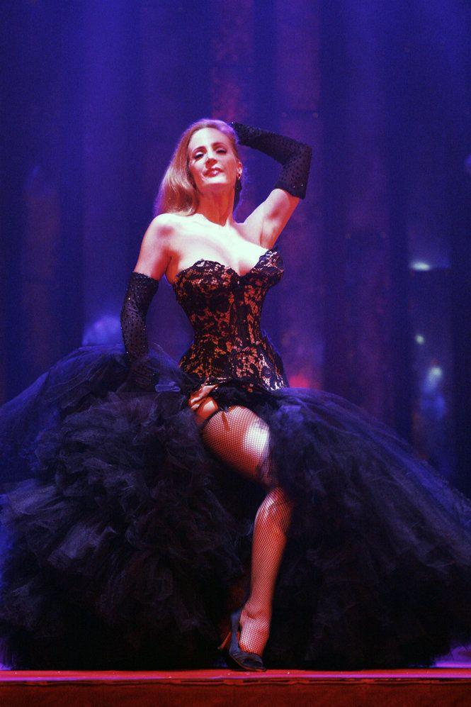 Exotic burlesque dancer shakes contents of bra vintage 6