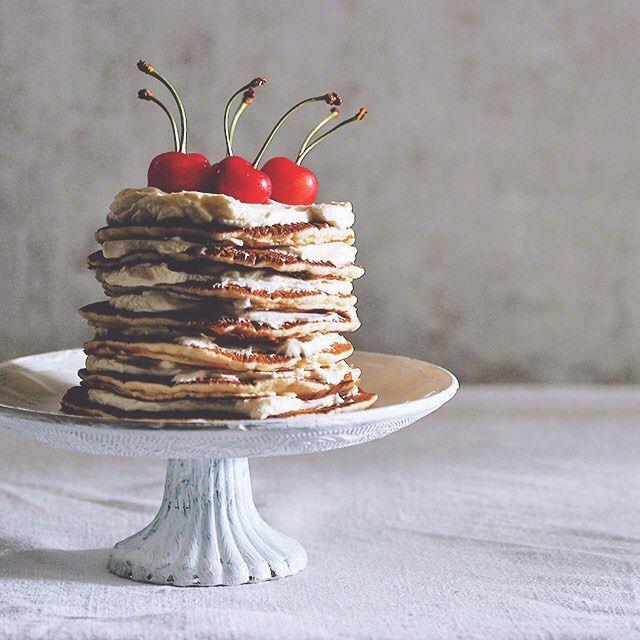 いいね!5,108件、コメント7件 ― Masaki Higuchiさん(@higuccini)のInstagramアカウント: 「pancake tower 朝からパンケーキタワー。7段で、ホイップ&サクランボ。 #pancaketower #pancake #tower #cherry #パンケーキ#パンケーキタワー…」